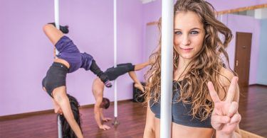 How to avoid injuries in Pole Dancing. A brief guide