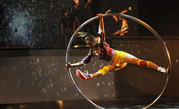 Χριστούγεννα στο Μέγαρο με το φαντασμαγορικό Cirque Éloize