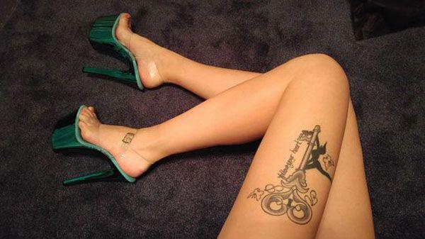 """Τα 13 καλύτερα pole dance και εναέρια τατουάζ που έχουν """"χτυπηθεί"""" ποτέ Bettina Czadilek"""