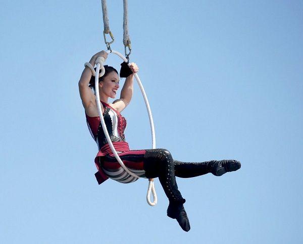 Erendira Wallenda - Παγκόσμιο ρεκόρ στο Aerial Hoop