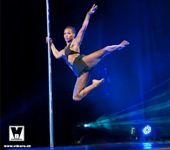 "Phoenix Kazree: ""Pole Dancing is absolutely appropriate""_Εναέρια ακροβατικά και Pole Dance για παιδία"