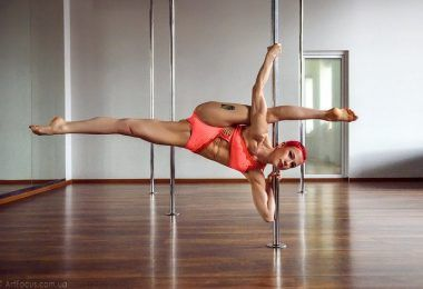 Polina Syniachenko. How she manages to combine Medicine and Pole Dance